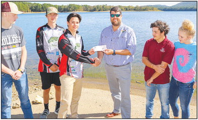 Youth bass fishing team earns $1,000 without wetting a line