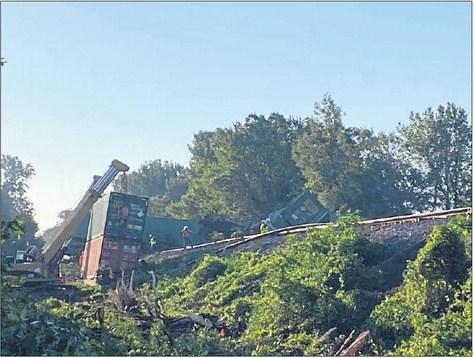 Cargo train derailment in Earle